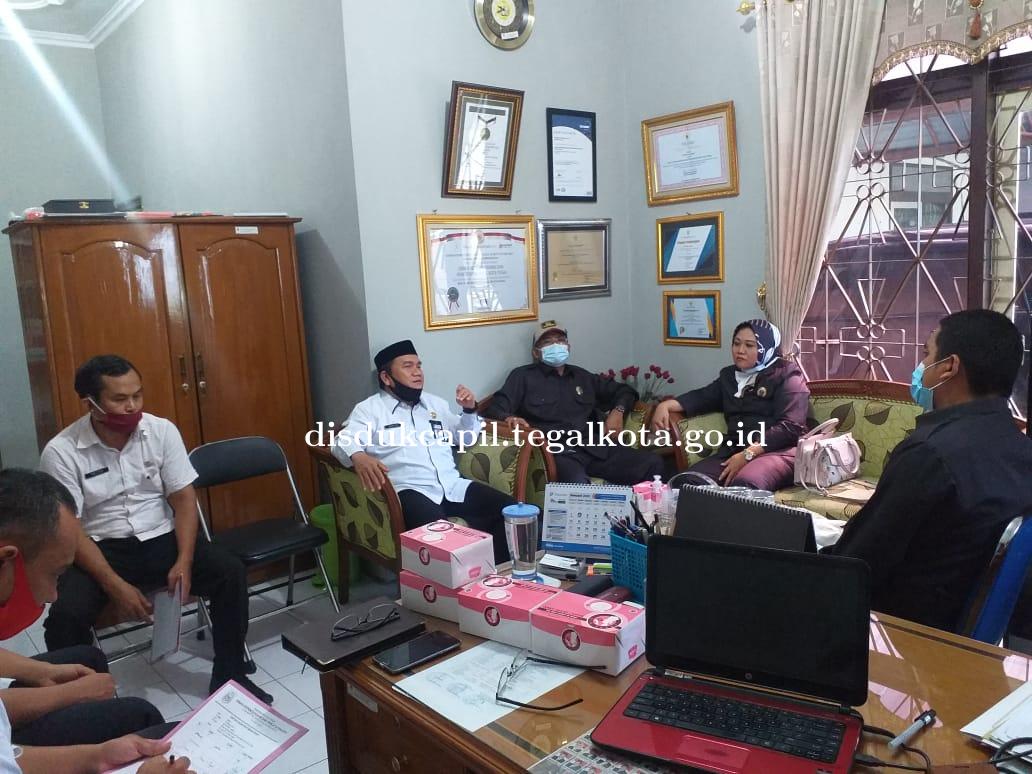 Tinjauan Lapangan Komisi II DPRD Kota Tegal di Disdukcapil Kota Tegal