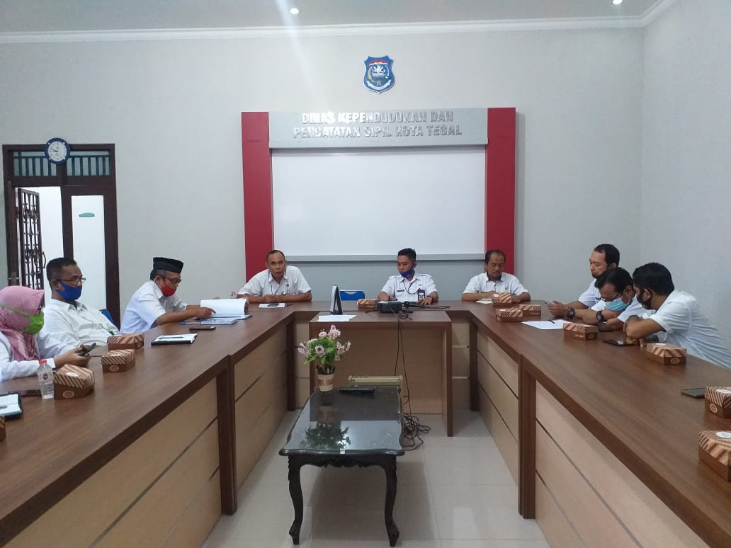Rapat Persiapan Penilaian dan Evaluasi Pelayanan Publik oleh Kemenpan RB - (Ada 1 foto)